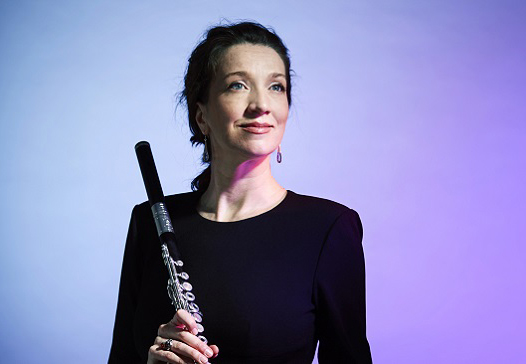Cinque welcomes flautist Sally Walker
